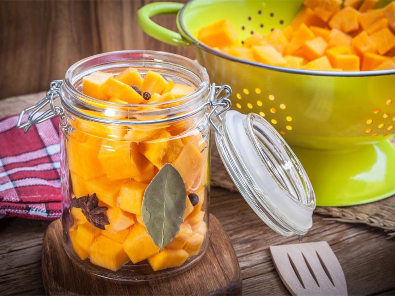 Как правильно хранить тыкву в домашних условиях и консервация овоща на зиму