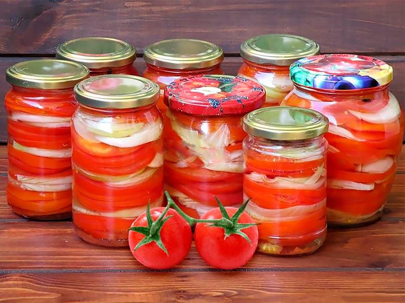 Приготовить помидоры на зиму: порезать на дольки